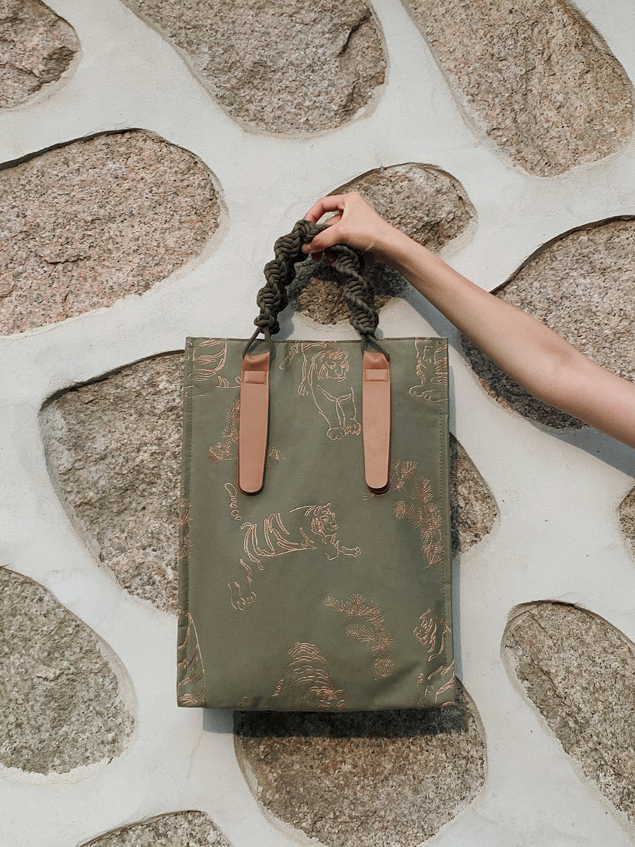 호담백(Tiger Knot Bag) - Khaki